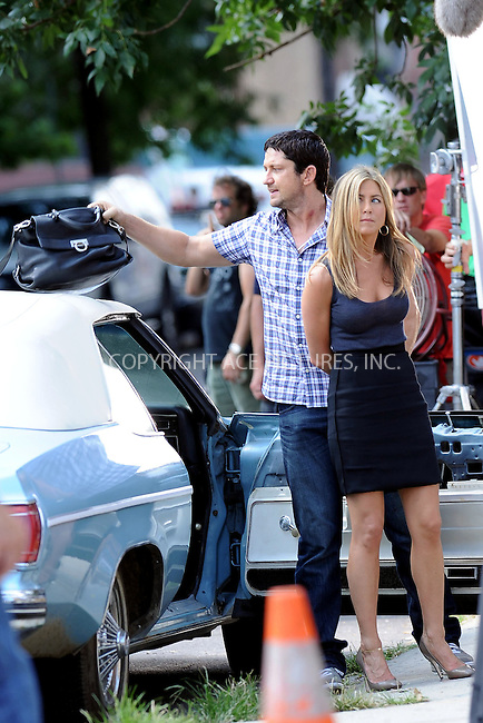 WWW.ACEPIXS.COM . . . . . ....August 24 2009, New York City....Actors Gerald Butler and Jennifer Aniston on the Queens set of the new movie 'Bounty' on August 24 2009 in New York City....Please byline: KRISTIN CALLAHAN - ACEPIXS.COM.. . . . . . ..Ace Pictures, Inc:  ..tel: (212) 243 8787 or (646) 769 0430..e-mail: info@acepixs.com..web: http://www.acepixs.com
