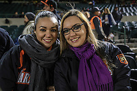 Ruth Contreras y Mariel Terán, durante el tercer juego de la Serie entre Tomateros de Culiacán vs Naranjeros de Hermosillo en el Estadio Sonora. Segunda vuelta de la Liga Mexicana del Pacifico (LMP) **26Dici2015.<br /> **CreditoFoto:LuisGutierrez<br /> **<br /> Shares during the third game of the series between Culiacan Tomateros vs Orange sellers of Hermosillo in Sonora Stadium. Second round of the Mexican Pacific League (PML)