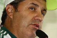 SAO PAULO, 13 DE MARÇO, 2013  - TREINO S.E. PALMEIRAS - COLETIVA GILSON KLEINA - O tecnico do Palmeiras, Gilson Kleina, durante entrevista coletiva à imprensa na tarde desta quarta-feira(13), na Academia de Futebol, Barra Funda. A equipe se prepara para o jogo desta quinat(14)  Palmeiras x Paulista, no Estádio do Pacaembu, pela 10ª rodada do Campeonato Paulista -  FOTO: LOLA OLIVEIRA - BRAZIL PHOTO PRESS