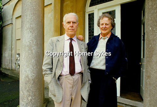 ANTHONY POWELL 1987 WRITER AT HOME IN SOMERSET,