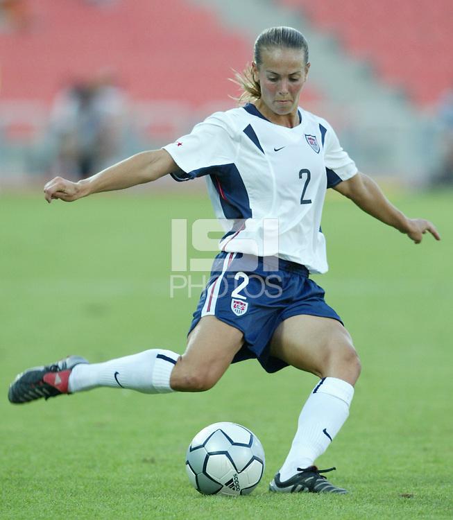 17 August 2004:   Heather Mitts in action against Australia  at Kaftanzoglio Stadium in Thessaloniki, Greece.     USA tied Australia at 1-1.   Credit: Michael Pimentel / ISI