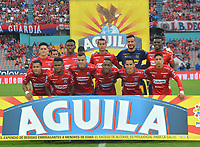 MEDELLÍN - COLOMBIA .24-02-2019:Formación del Independiente Medellin ante el Deportivo Cali.Acción de juego entre los equipos Independiente Medellín y Deportivo Cali  durante partido por la fecha 6 de la Liga Águila I 2019 jugado en el estadio Atanasio Girardot de la ciudad de Medellín. /Team of Independiente Medellin agaisnt of Deportivo Cali. Action game between  Independiente Medellin  and  Deportivo Cali  during the match for the date 6 of the Liga Aguila I 2019 played at the Atanasio Girardot  Stadium in Medellin  city. Photo: VizzorImage /León Monsalve / Contribuidor.