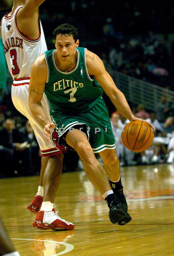 Tom Gugliotta during the Boston Celtics v. Chicago Bulls game...David Durochik / SportPics