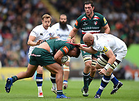 Ellis Genge of Leicester Tigers is tackled by Matt Garvey of Bath Rugby. Aviva Premiership match, between Leicester Tigers and Bath Rugby on September 3, 2017 at Welford Road in Leicester, England. Photo by: Patrick Khachfe / Onside Images