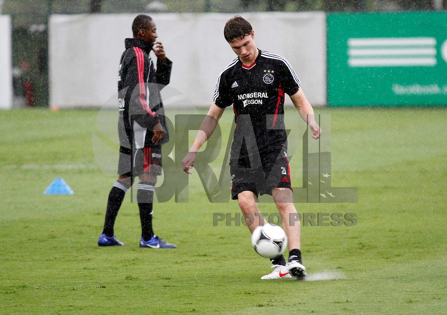 O jogadore Derk Boerrigter durante treino do Ajax no CT da Barra Funda na Manhã de hoje na zona oeste de São Paulo.FOTO ALE VIANNA - NEWS FREE.