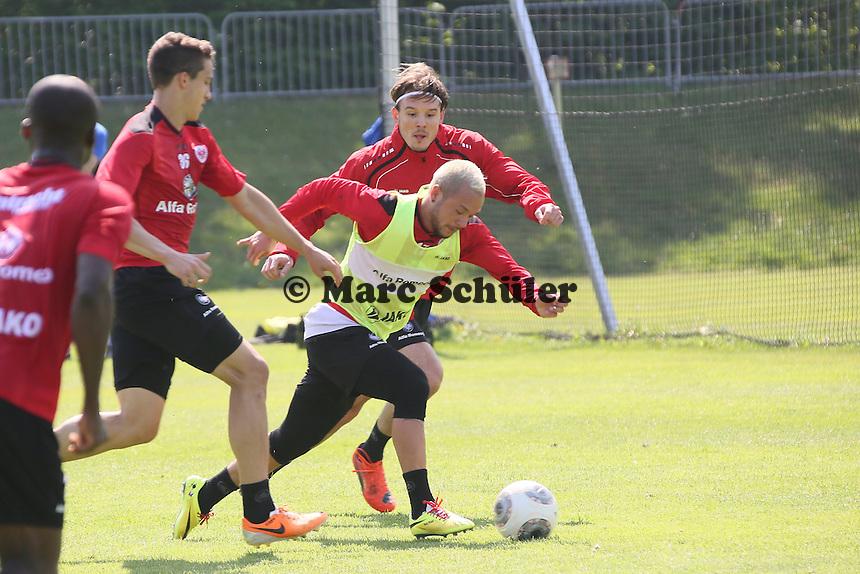 Stephan Schröck (Eintracht) gegen Alex Meier - Eintracht Frankfurt Training, Commerzbank Arena
