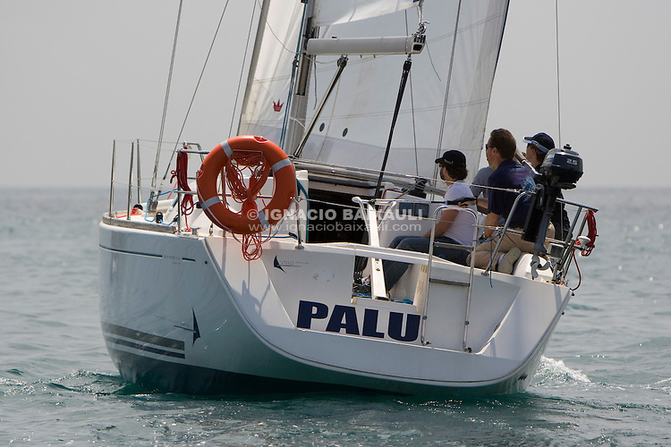 ESP8076 PALU ALVARO SENDRA ALBIÑANA R.C.N. Valencia DUFOUR 325 .XI Trofeo Universidad Politécnica de Valencia - 17-18 Mayo 2008 - Real Club Náutico de Valencia, Valencia, España / Spain