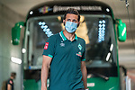 Ankunft am Stadion, Claudio Pizarro (Werder Bremen #14)<br /> <br /> <br /> Sport: nphgm001: Fussball: 1. Bundesliga: Saison 19/20: 33. Spieltag: 1. FSV Mainz 05 vs SV Werder Bremen 20.06.2020<br /> <br /> Foto: gumzmedia/nordphoto/POOL <br /> <br /> DFL regulations prohibit any use of photographs as image sequences and/or quasi-video.<br /> EDITORIAL USE ONLY<br /> National and international News-Agencies OUT.