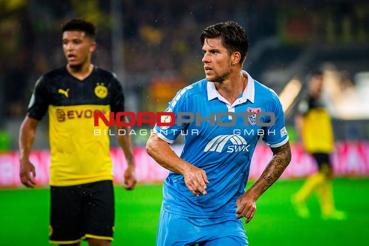 09.08.2019, Merkur Spiel-Arena, Düsseldorf, GER, DFB Pokal, 1. Hauptrunde, KFC Uerdingen vs Borussia Dortmund , DFB REGULATIONS PROHIBIT ANY USE OF PHOTOGRAPHS AS IMAGE SEQUENCES AND/OR QUASI-VIDEO<br /> <br /> im Bild | picture shows:<br /> Einzelaktion Christian Dorda (KFC Uerdingen #7), <br /> <br /> Foto © nordphoto / Rauch