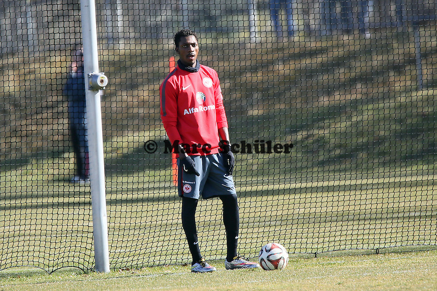 Yusupha Yaffa (Eintracht) wieder im Einzeltraining - Eintracht Frankfurt Training, Commerzbank Arena