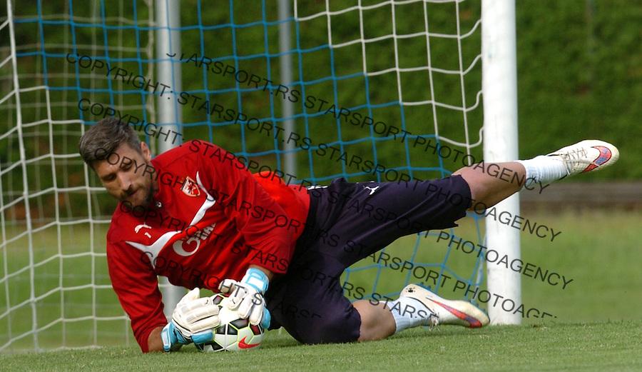 FUDBAL - PRIPREME - CRVENA ZVEZDA - TRENING - Damir Kahriman golman Crvene Zvezde na treningu.<br /> Brezice, 18.06.2015.<br />                              foto:N.Skenderija