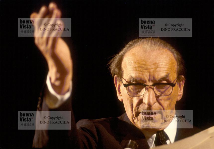 - the philosopher Norberto Bobbio (Milan, 1980)....- il filosofo Norberto Bobbio (Milano, 1980)