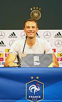 Torwart Manuel Neuer (Deutschland Germany) - 15.10.2018: Pressekonferenz DFB vor dem Spiel Frankreich vs. Deutschland, 4. Spieltag UEFA Nations League, Stade de France, DISCLAIMER: DFB regulations prohibit any use of photographs as image sequences and/or quasi-video.