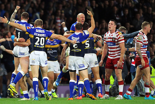 10.10.2015. Old Trafford, Manchester, England. Rugby League Grand Final. Leeds Rhinos versus Wigan Warriors. Leeds celebrate their win