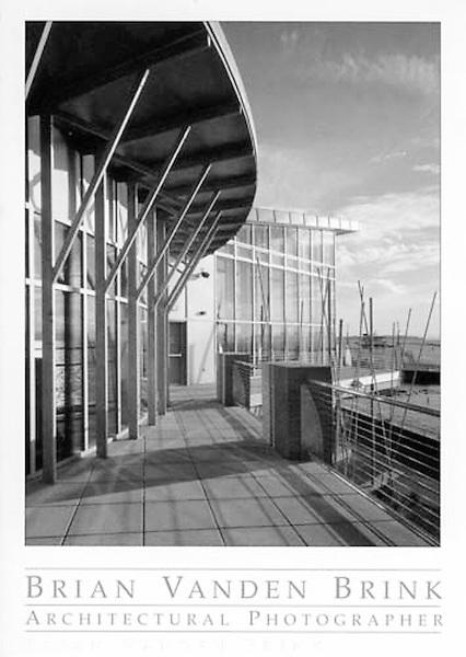 CENTER FOR LAKE CHAMPLAIN<br /> Burlington, Vermont<br /> Smith Alvarez Sienkiewycz, Architects © Brian Vanden Brink, 2004
