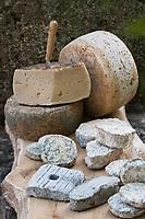 Europe/France/Aquitaine/24/Dordogne/Saint-Romain & Saint-Clement : Le Manoir de Bigeau - Les Fromages de Chèvre , bio de Jean-Yves Pin, - Le Bigeau