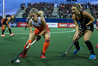 Liz Thompson during the World Hockey League final between the Netherlands and New Zealand. North Harbour Hockey Stadium, Auckland, New Zealand. Sunday 26 November 2017. Photo:Simon Watts / www.bwmedia.co.nz