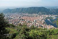 Veduta da Brunate verso la città di Como e il Monte Croce --- View from Brunate towards the city of Como and the Croce Mountain