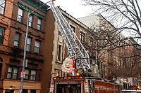 NOVA YORK, EUA, 21.12.2018 - INCENDIO-NOVA YORK - Um incendio atingiu primeiro andar de uma igreja no bairro do Harlem na Manhattan nesta sexta-feira, 21. Ninguém ficou ferido. (Foto: Vanessa Carvalho/Brazil Photo Press)