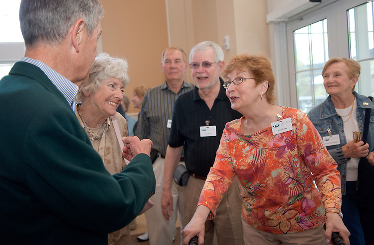 18660Golden Reunion, class of 1958: Tour of Baker Center..Senator George Voinovich  & Mrs. Voinovich talks to  Alumni Betty & Dean Braun