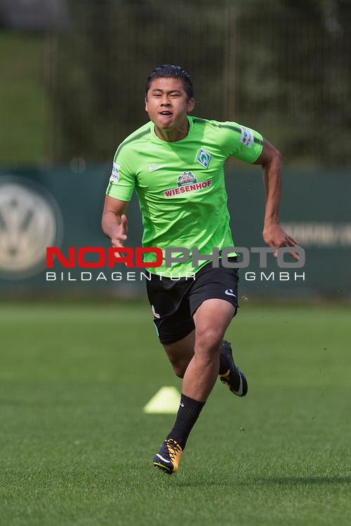22.08.2017, Trainingsgelaende, Bremen, GER, 1.FBL, Training SV Werder Bremen<br /> <br /> im Bild<br /> Yuning Zhang (Werder Bremen #19), <br /> <br /> Foto &copy; nordphoto / Ewert