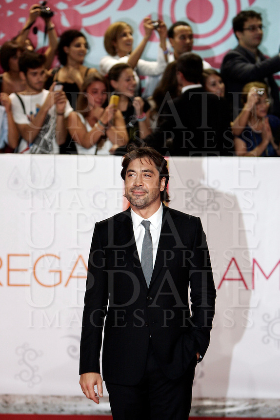 "L'attore spagnolo Javier Bardem posa sul red carpet in occasione dell'anteprima del film ""Mangia Prega Ama"" a Roma, 16 settembre 2010..Spanish actor Javier Bardem poses on the red carpet for the premiere of the movie ""Eat Pray Love"" in Rome, 16 september 2010..UPDATE IMAGES PRESS/Riccardo De Luca"