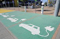 - Milan, charging station for electric vehicles at the Ikea in Corsico<br /> <br /> - Milano, stazione di ricarica per automobili elettriche presso l'Ikea di Corsico