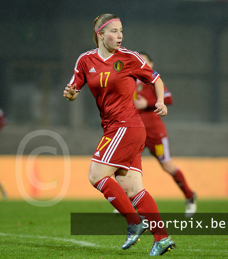 20151130 - LEUVEN ,  BELGIUM : Belgian Jana Coryn pictured during the female soccer game between the Belgian Red Flames and Serbia , the third game in the qualification for the European Championship in The Netherlands 2017  , Monday 30 November 2015 at Stadion Den Dreef  in Leuven , Belgium. PHOTO DAVID CATRY