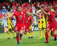 CALI - COLOMBIA, 14-07-2019: Michael Rangel del América celebra después de anotar el primer gol de su equipo partido por la fecha 1 de la Liga Águila II 2019 entre América de Cali y Alianza Petrolera jugado en el estadio Pascual Guerrero de la ciudad de Cali. / Michael Rangel of America celebrates after scoring the first goal of his team during match for the date 1 as part of Aguila League II 2019 between America de Cali and Alianza Petrolera played at Pascual Guerrero stadium in Cali. Photo: VizzorImage / Nelson Rios / Cont