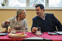 """Bundesarbeitsminister Hubertus Heil (SPD) (rechts im Bild) und die Bochumer Reinigungskraft Susanne Holtkotte (links im Bild) besuchten am Mittwoch den 20. November 2019 das Mehrgenerationenhaus """"Kreativhaus e.V."""" in Berlin-Mitte.<br /> Sie wollten mit den Rentnerinnen und Rentnern ueber das Thema Grundrente sprechen.<br /> Heil und Holtkotte hatten im Mai fuer einen Tag die Jobs getauscht, um einen Einblick in das Arbeitsleben des jeweils Anderen zu bekommen.<br /> 20.11.2019, Berlin<br /> Copyright: Christian-Ditsch.de<br /> [Inhaltsveraendernde Manipulation des Fotos nur nach ausdruecklicher Genehmigung des Fotografen. Vereinbarungen ueber Abtretung von Persoenlichkeitsrechten/Model Release der abgebildeten Person/Personen liegen nicht vor. NO MODEL RELEASE! Nur fuer Redaktionelle Zwecke. Don't publish without copyright Christian-Ditsch.de, Veroeffentlichung nur mit Fotografennennung, sowie gegen Honorar, MwSt. und Beleg. Konto: I N G - D i B a, IBAN DE58500105175400192269, BIC INGDDEFFXXX, Kontakt: post@christian-ditsch.de<br /> Bei der Bearbeitung der Dateiinformationen darf die Urheberkennzeichnung in den EXIF- und  IPTC-Daten nicht entfernt werden, diese sind in digitalen Medien nach §95c UrhG rechtlich geschuetzt. Der Urhebervermerk wird gemaess §13 UrhG verlangt.]"""