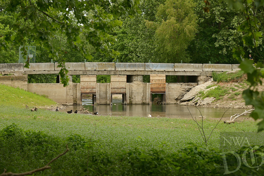 NWA Democrat-Gazette/BEN GOFF @NWABENGOFF<br /> A view of the dam on Thursday May 19, 2016 at Lake Bella Vista in Bentonville.