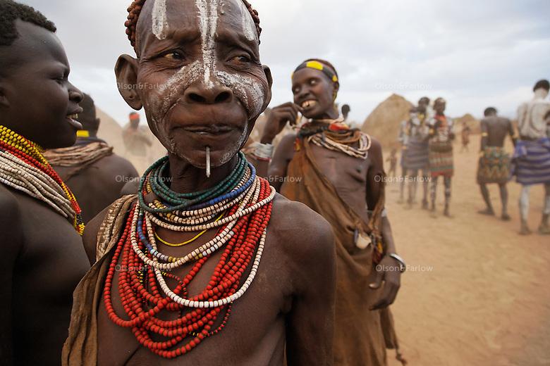 Just an evening dance in Duss village...Contacts:..Lale Biwa (Jamundo - Bull Jumping Name).lalebiwa@yahoo.com