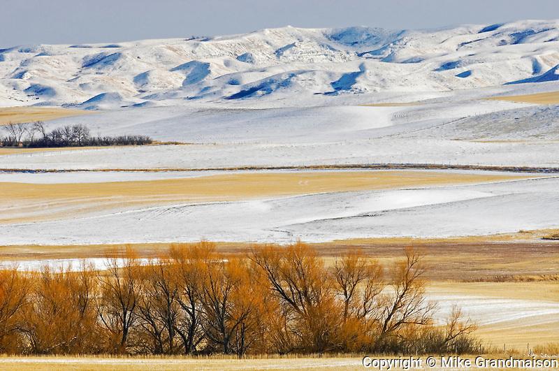 WInter on the prairie and badlands<br /> Near Big Muddy Badlands<br /> Saskatchewan<br /> Canada