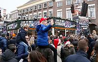 Nederland  Breda  2016. Serious Request Glazen Huis op de Markt. Foto Berlinda van Dam / Hollandse Hoogte