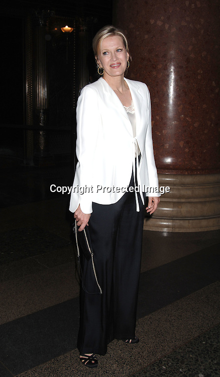 Diane Sawyer ..at The Pen American Center's 2006 Literary Gala on ..April 18, 2006 at The American Museum of Natural History. ..Robin Platzer, Twin Images
