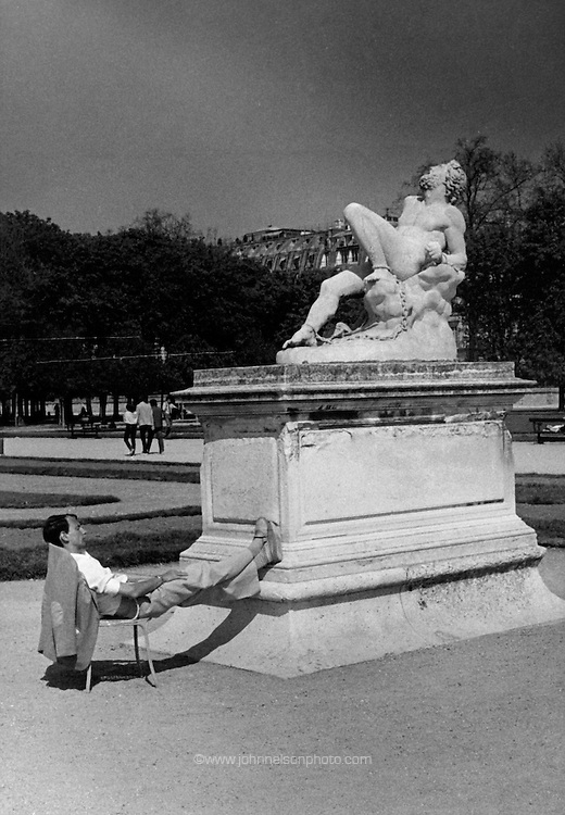 Sunbather in Paris