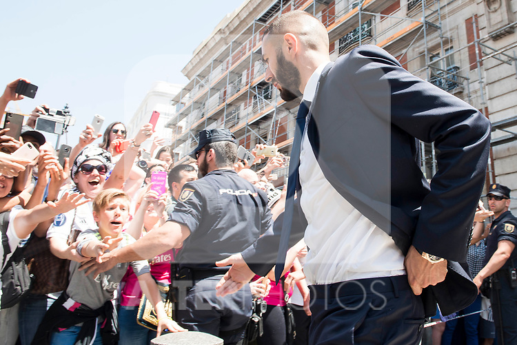 Real Madrid's Karim Benzema leaves Seat of Government in Madrid, May 22, 2017. Spain.<br /> (ALTERPHOTOS/BorjaB.Hojas)