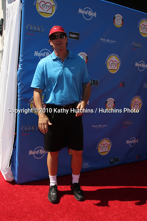 Kevin Sorbo.arrives at  the George Lopez Golf Tournament .Lakeside Golf Club.Toluca Lake, CA.May 3, 2010.©2010 Kathy Hutchins / Hutchins Photo...