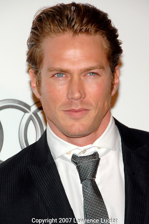 Actor Jason Lewis arrives for the G&P Foundation's Angel Ball October 29, 2007, at the Marriott Marquis in New York City.. (Pictured : JASON LEWIS).