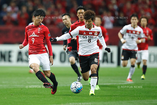 (L-R) Yuki Muto (Reds), Lee Sangho (FC Seoul), FEBRUARY 28, 2017 - Football / Soccer : 2017 AFC Champions League Group F match between Urawa Reds 5-2 FC Seoul <br /> at Saitama Stadium 2002, Saitama, Japan. <br /> (Photo by Sho Tamura/AFLO SPORT)