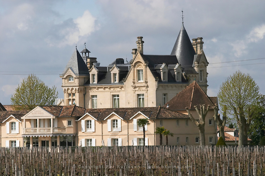 hotel chateau grand barrail saint emilion bordeaux france