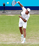 Nederland, Rosmalen, 20 juni 2012.Seizoen 2011/2012.Tennis Unicef open 2012\.Igor Sijsling uit Nederland in actie met de bal