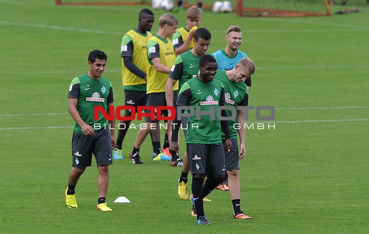 20.08.2013, Trainingsgelaende, Bremen, GER, 1.FBL, Training Werder Bremen, im Bild C&eacute;dric Makiadi (Bremen #6), Aaron Hunt (Bremen #14)<br /> <br /> Foto &copy; nph / Frisch