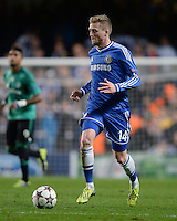 FUSSBALL   CHAMPIONS LEAGUE   SAISON 2013/2014   Vorrunde  in London FC Chelsea - FC Schalke     06.11.2013 Andre Schuerrle (FC Chelsea) am Ball