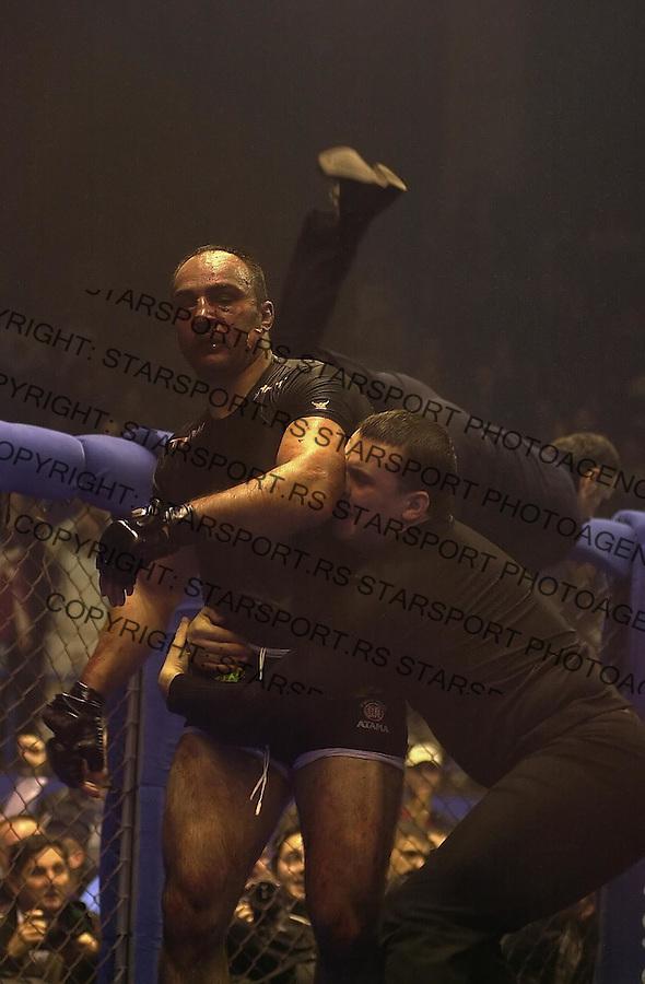 SPORT ULTIMATE FIGHT 3.12.2005. foto: Pedja Milosavljevic<br />