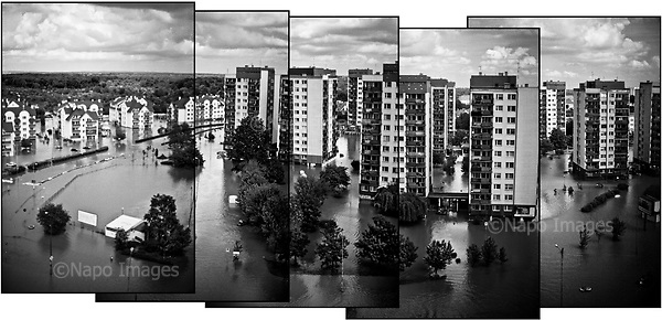 Wroclaw 23.05.2010 Poland<br /> In Wroclaw (south-west Poland ), at the great estate Kozanow, the river Odra interrupted shafts. 2,000 people were left without electricity and contact with people.<br /> Arround 5 billion euros loss, hundreds of thousands of victims, environmental pollution. This is only the initial losses of the great flood in Poland.<br /> Photo: Adam Lach / Napo Images<br /> <br /> Wielka powodz w Polsce. We Wroclawiu na wielkim osiedlu Kozanow, rzeka Odra przerwala waly. 2 tysiace osob zostalo pozbawionych pradu i kontaktu z ludzmi.<br /> Fot: Adam Lach / Napo Images
