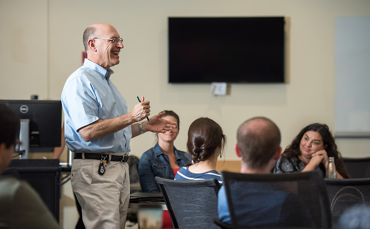Dean of the College of Arts and Science, Robert Frank speaks at an OHIO First Scholars Mentoring Program training session for faculty and staff mentors.  Photo by Ben Siegel/ © Ohio University
