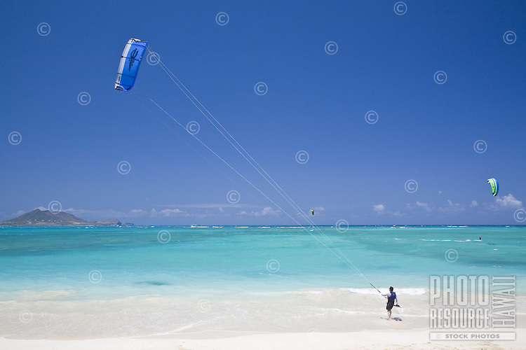Kite surfer preparing to go sailing in Kailua