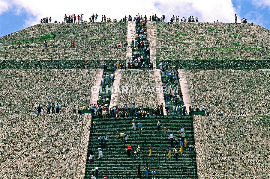 Pirâmide do Sol em Teotihuacan. Mexico. 1988. Foto de João Caldas.