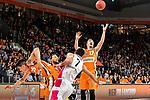 05.01.2020, ratiopharm arena, Neu-Ulm, GER, BBL, ratiopharm ulm vs Telekom Baskets Bonn, <br /> im Bild Kampf um den Ball, Derek Willis (Ulm, #35), Bojan Subotic (Bonn, #7), Andreas Obst (Ulm, #17) sichert den Rebound<br />   <br /> Foto © nordphoto / Hafner